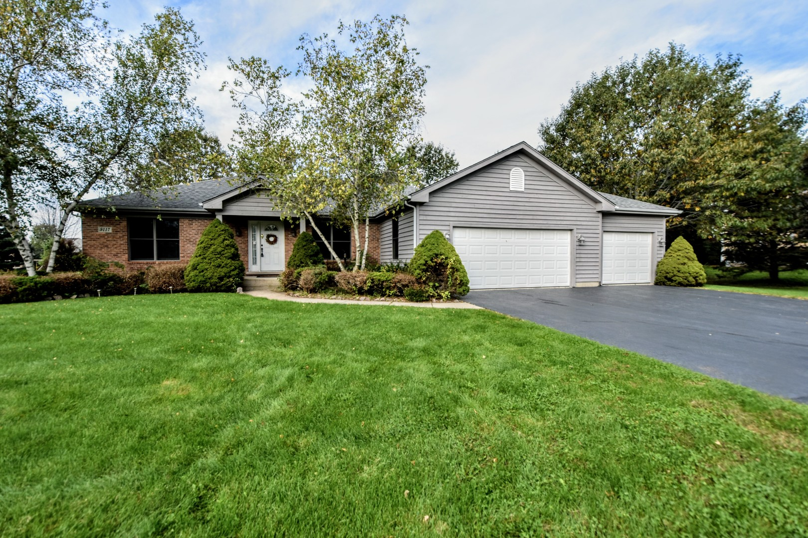 9117 Anthony Lane, Spring Grove, Illinois 60081