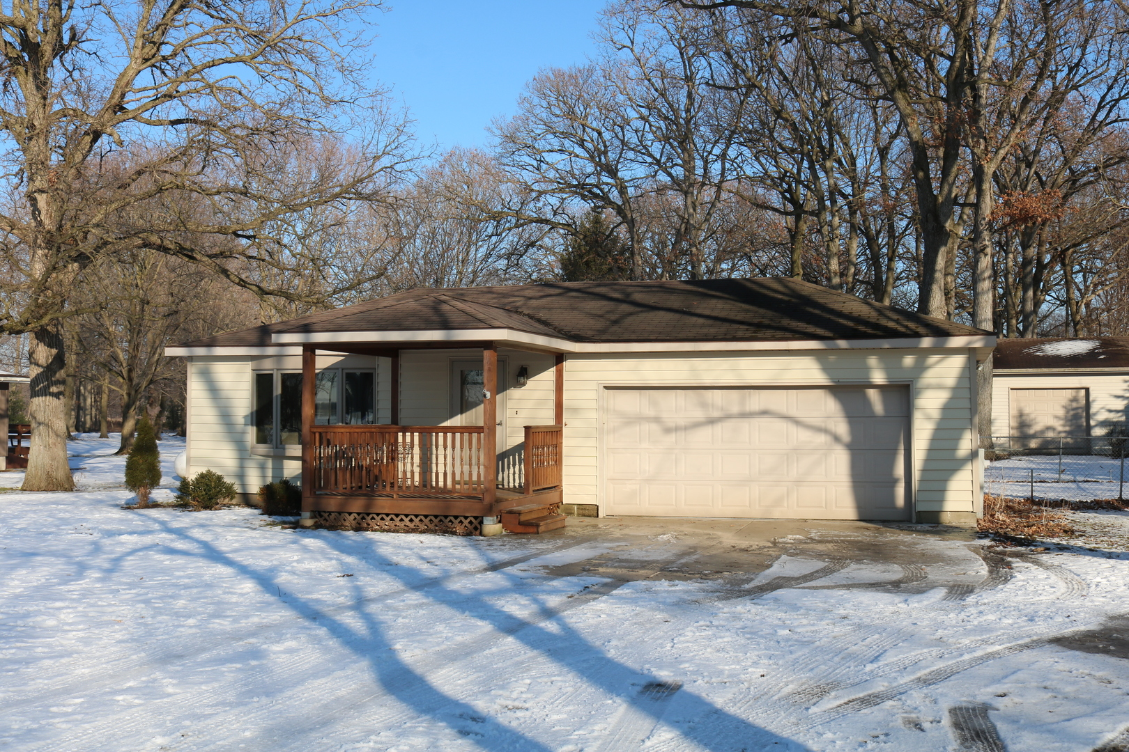 21108  Oak,  Maple Park, Illinois