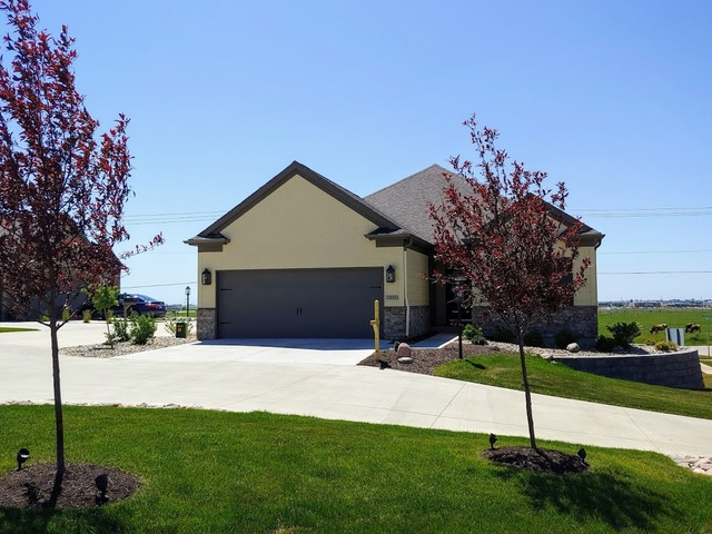 2927 Greystone, Champaign, Illinois, 61822