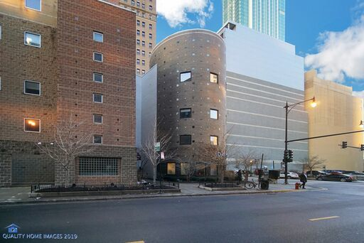 East 9th St., Chicago, IL 60605