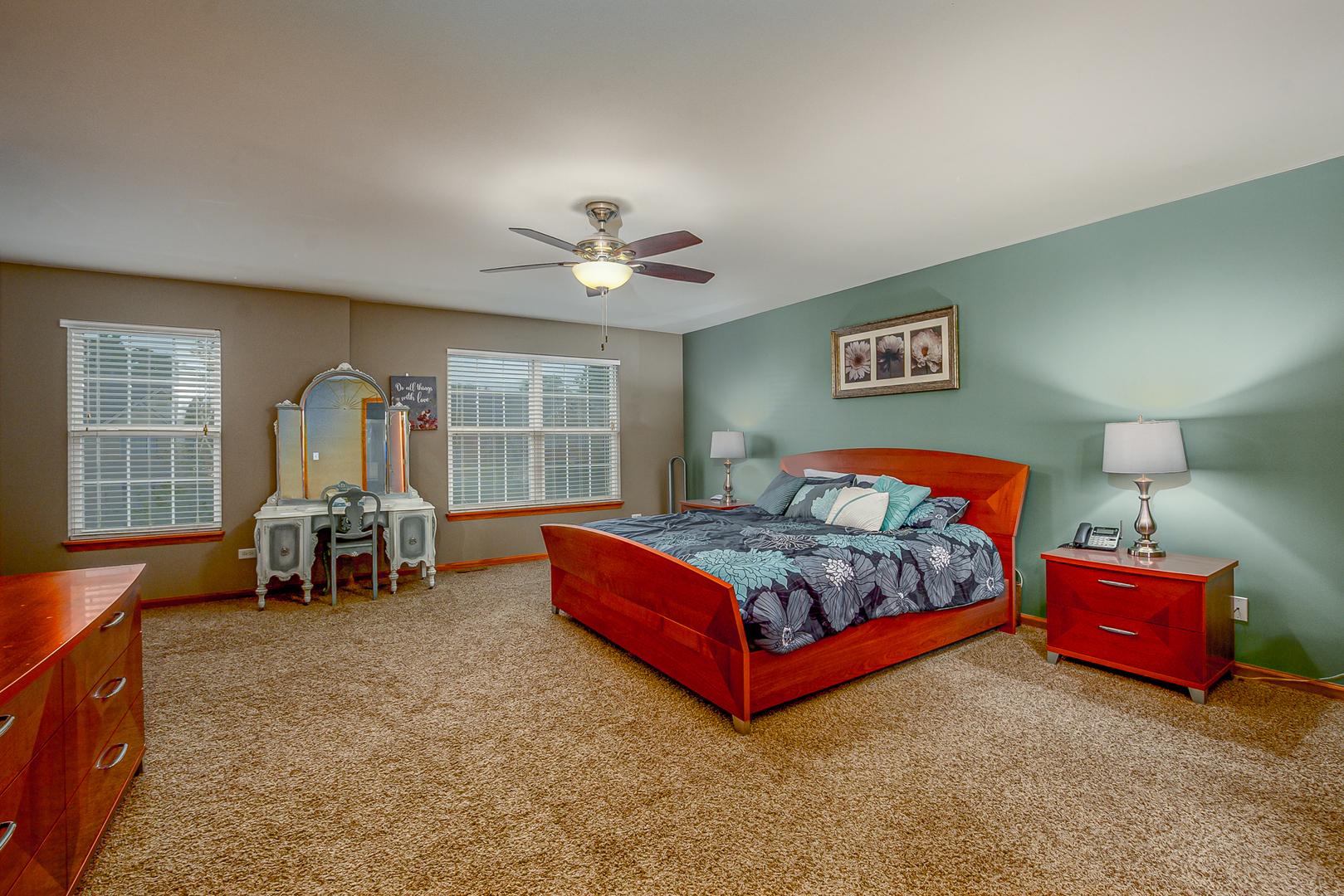 915 Neufairfield, Joliet, Illinois, 60432