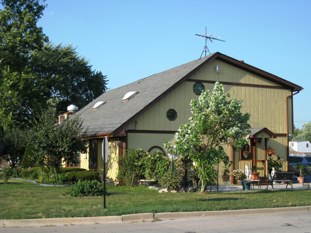 6955 ROBERTS Road, Bridgeview, IL 60455