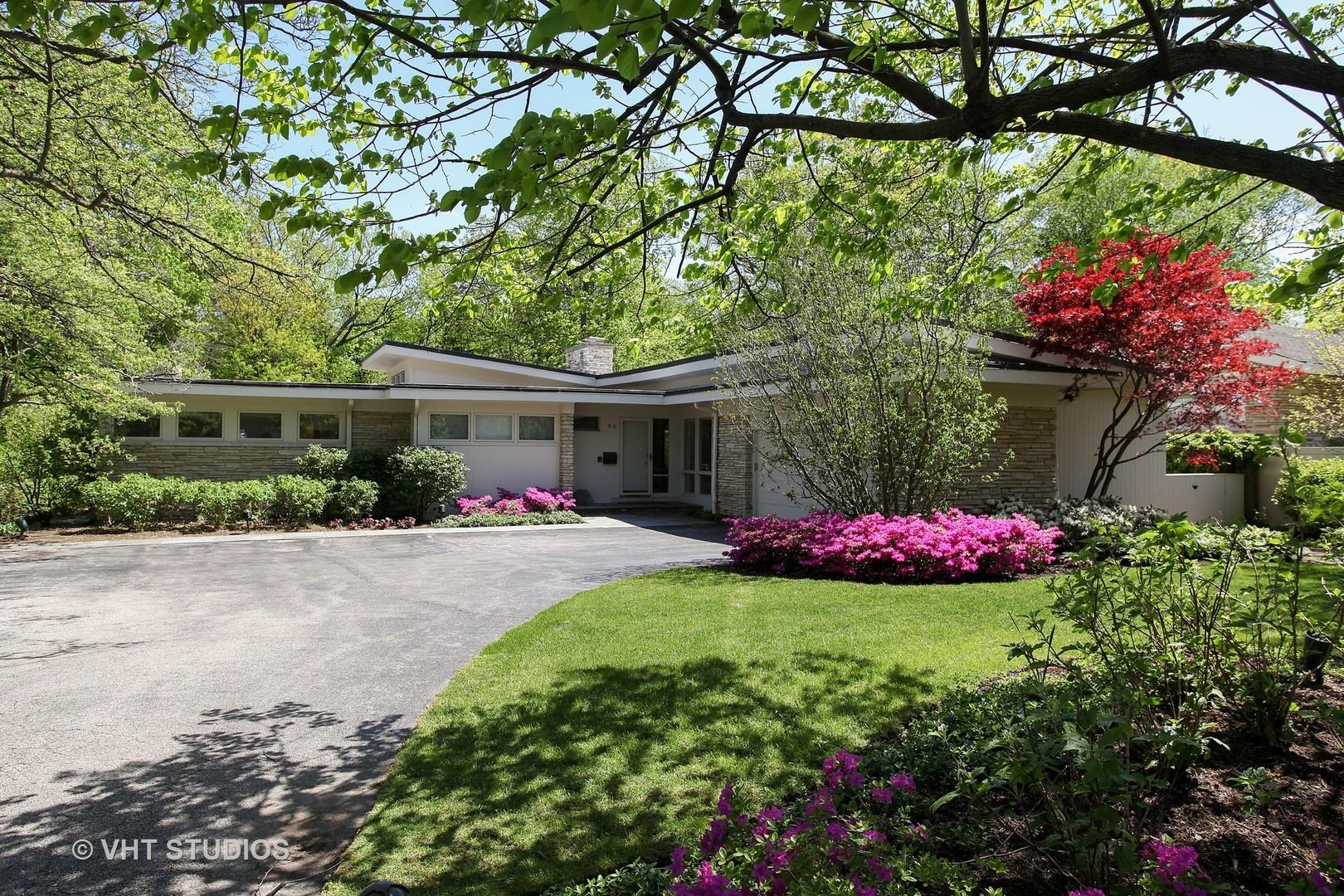 84 Ravinoaks Lane, Highland Park, IL 60035