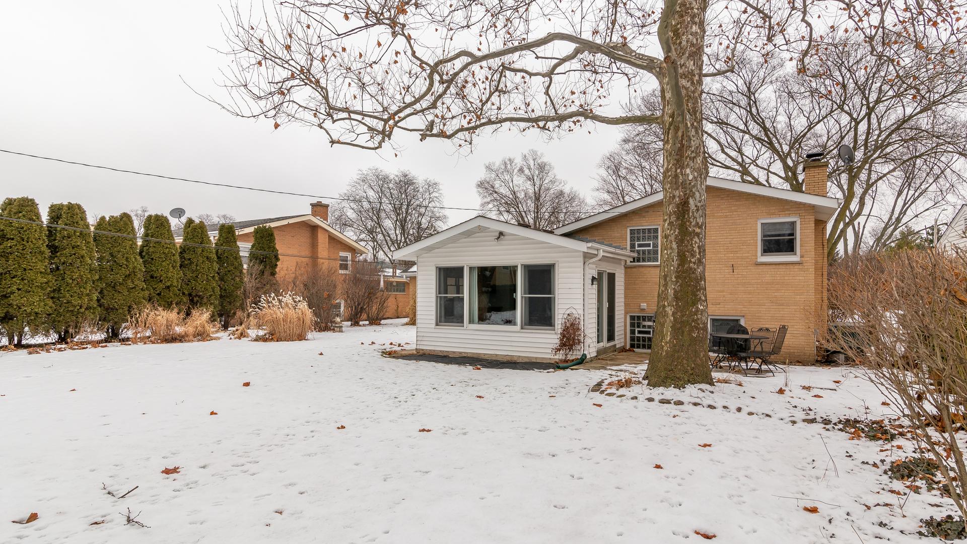 616 South Edward, Mount Prospect, Illinois, 60056