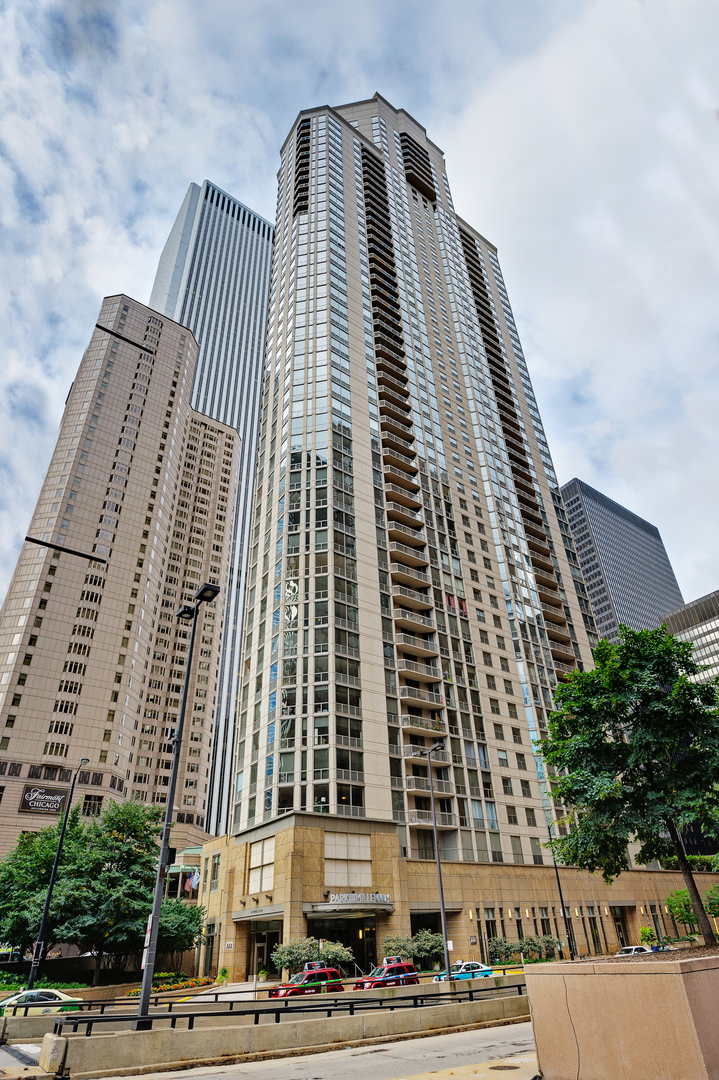 222 N Columbus Drive 4402, Chicago, IL 60601