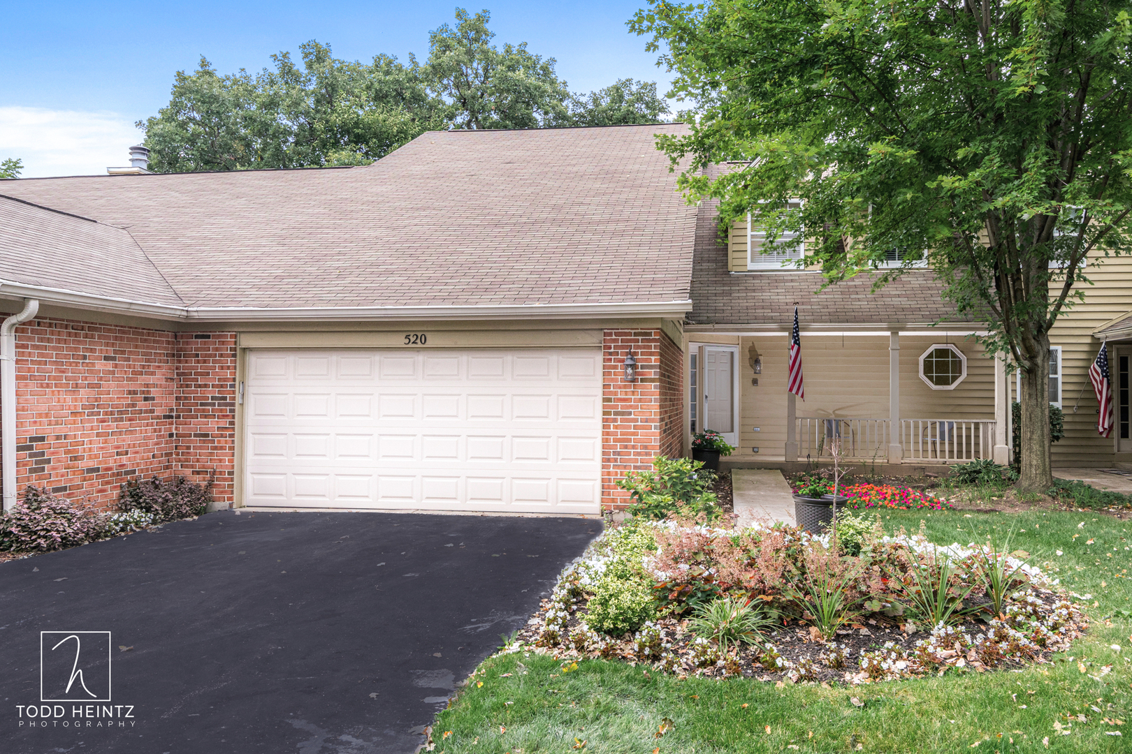 520  Shagbark,  ELGIN, Illinois