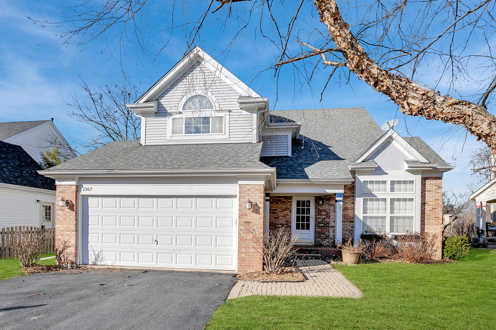 1367 Amherst Court, Grayslake, Illinois 60030