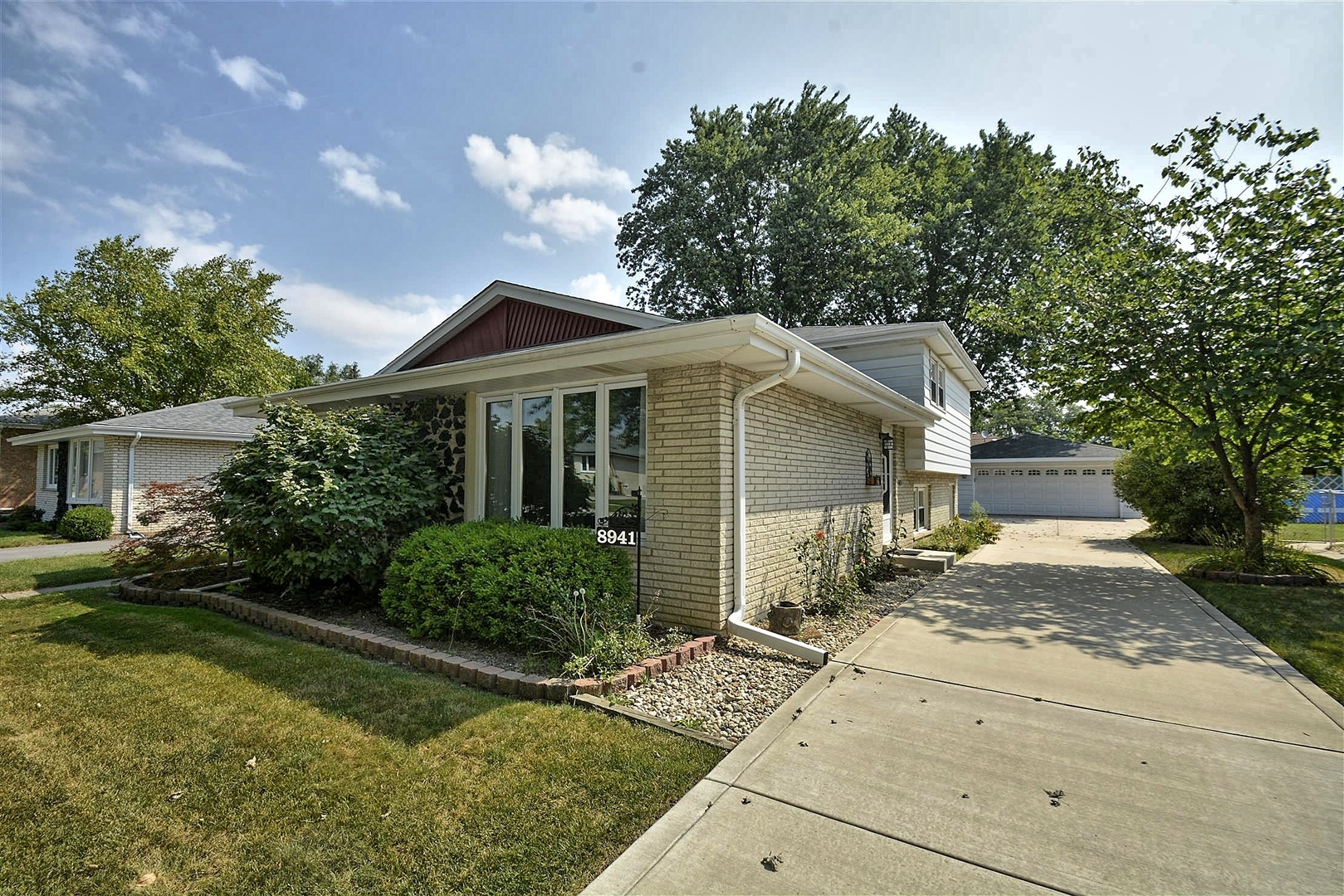oak lawn asian singles Oak lawn subdivisions with single family homes for sale: columbus manor - 1 home for sale columbus manor is a single family home subdivision columbus manor is located in oak lawn, illinois south.