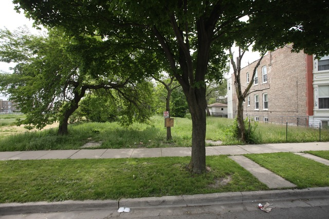 1132 Whipple CHICAGO, IL 60612