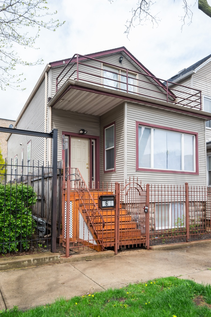 1620 NORTH TROY STREET, CHICAGO, IL 60647