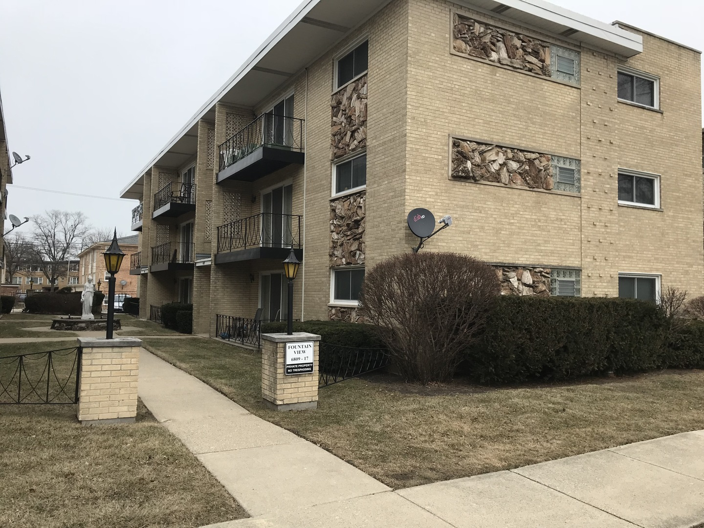 6811 Olmsted Unit Unit 105 ,Chicago, Illinois 60631
