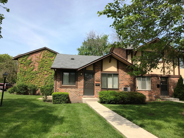 1s276 Ardmore, Villa Park, Illinois 60181