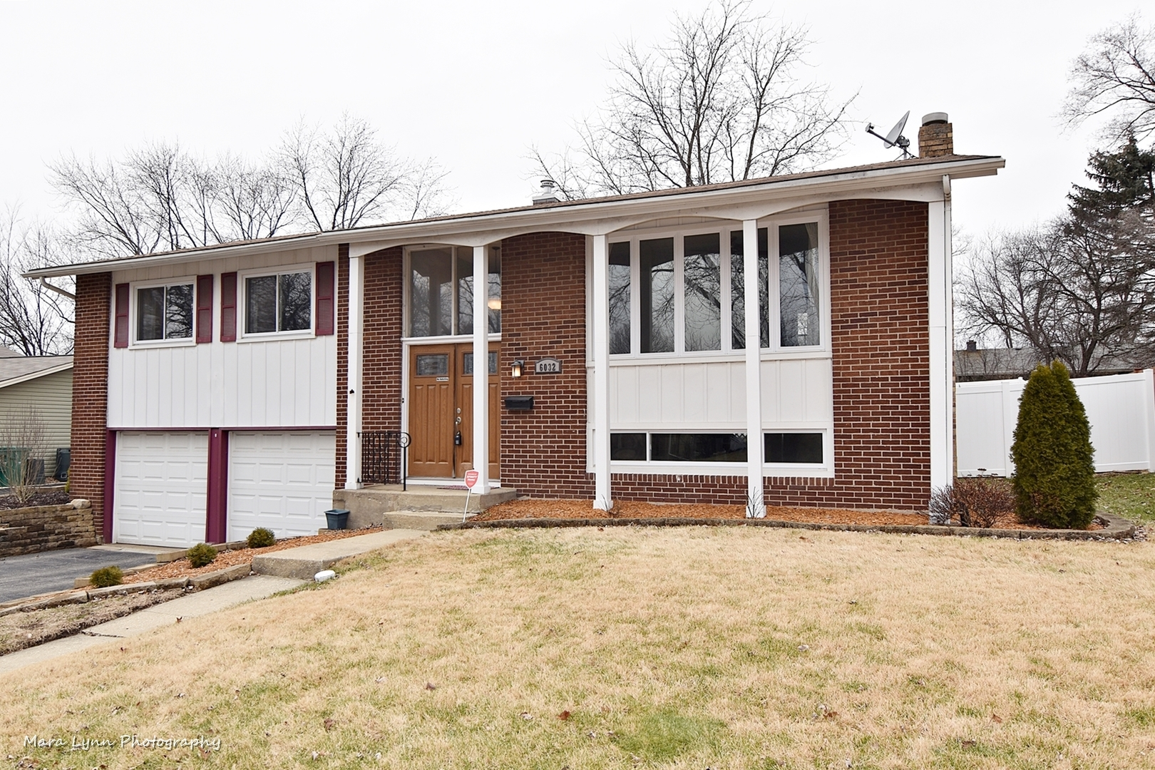 6032 Ridgeway Drive Geneva, St. Charles, Batavia, South Elgin, Elburn, Elgin, North Aurora, Aurora  Home Listings - The Cory Jones Team - RE/MAX Great American North Geneva, St. Charles, Batavia Real Estate Agent