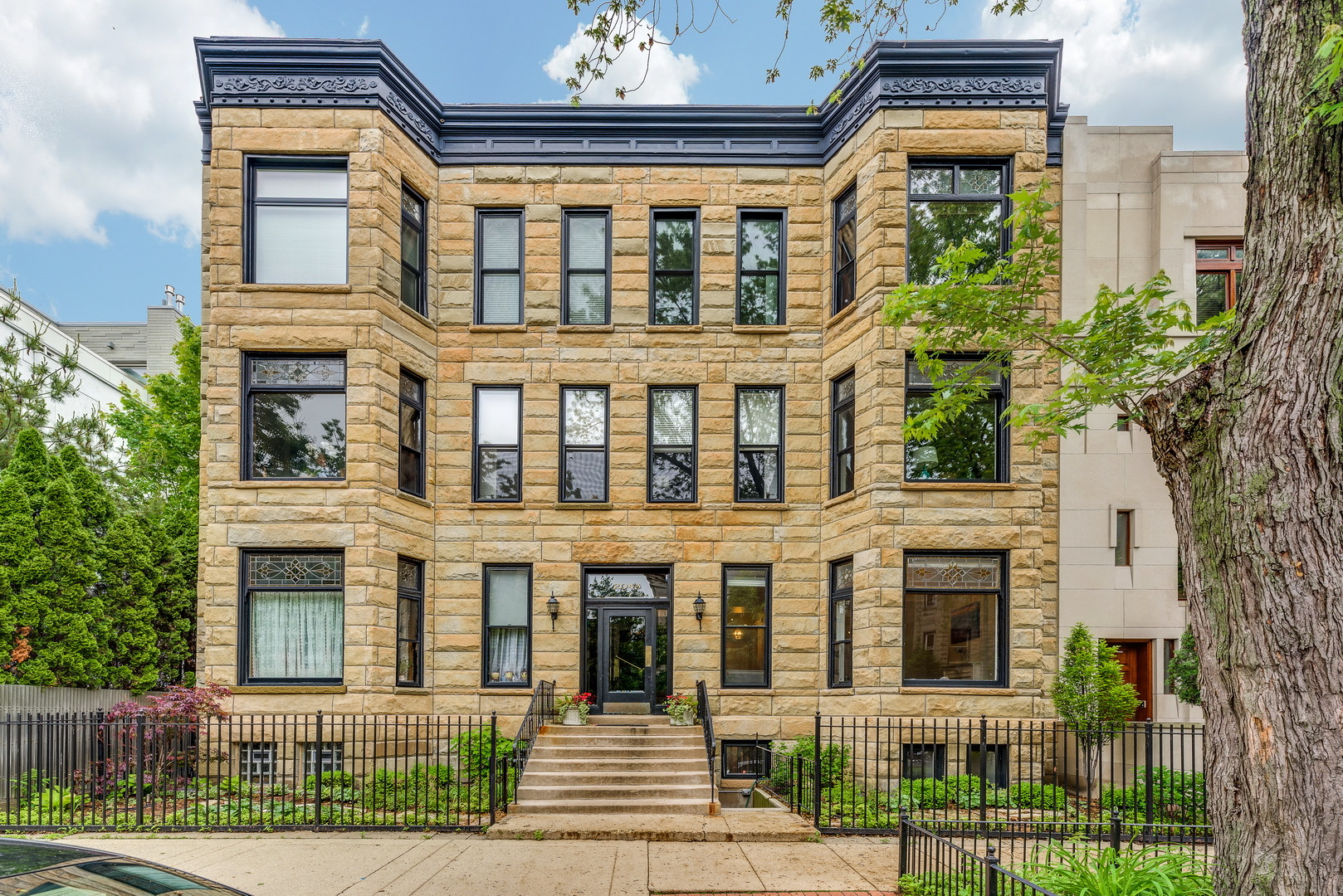 2043 N Mohawk Street 1S, Chicago, Illinois 60614