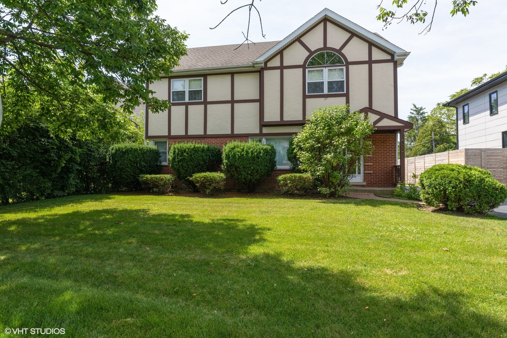 1909 George Court #  Glenview IL 60025