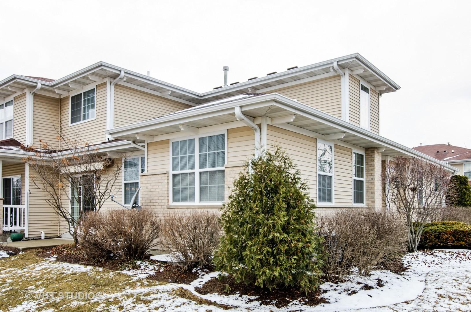 1220 Walnut Glen Drive, Crystal Lake, IL 60014