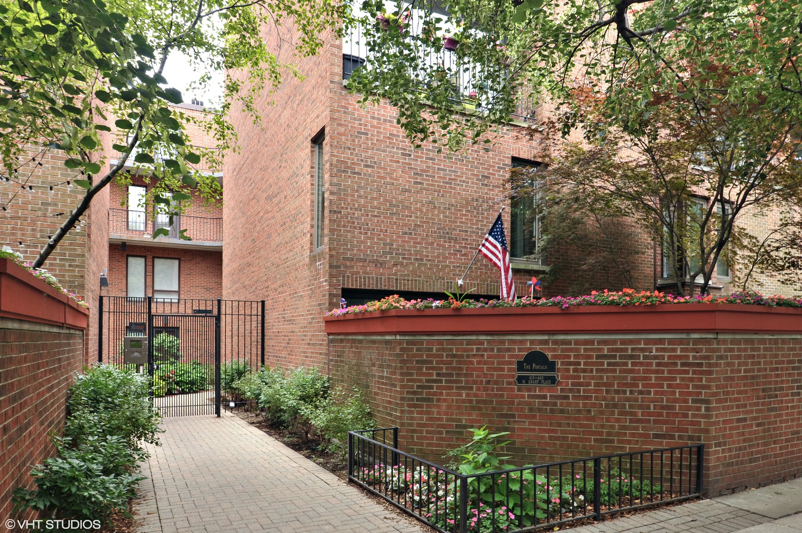 425 W Grant Place C, CHICAGO, Illinois 60614