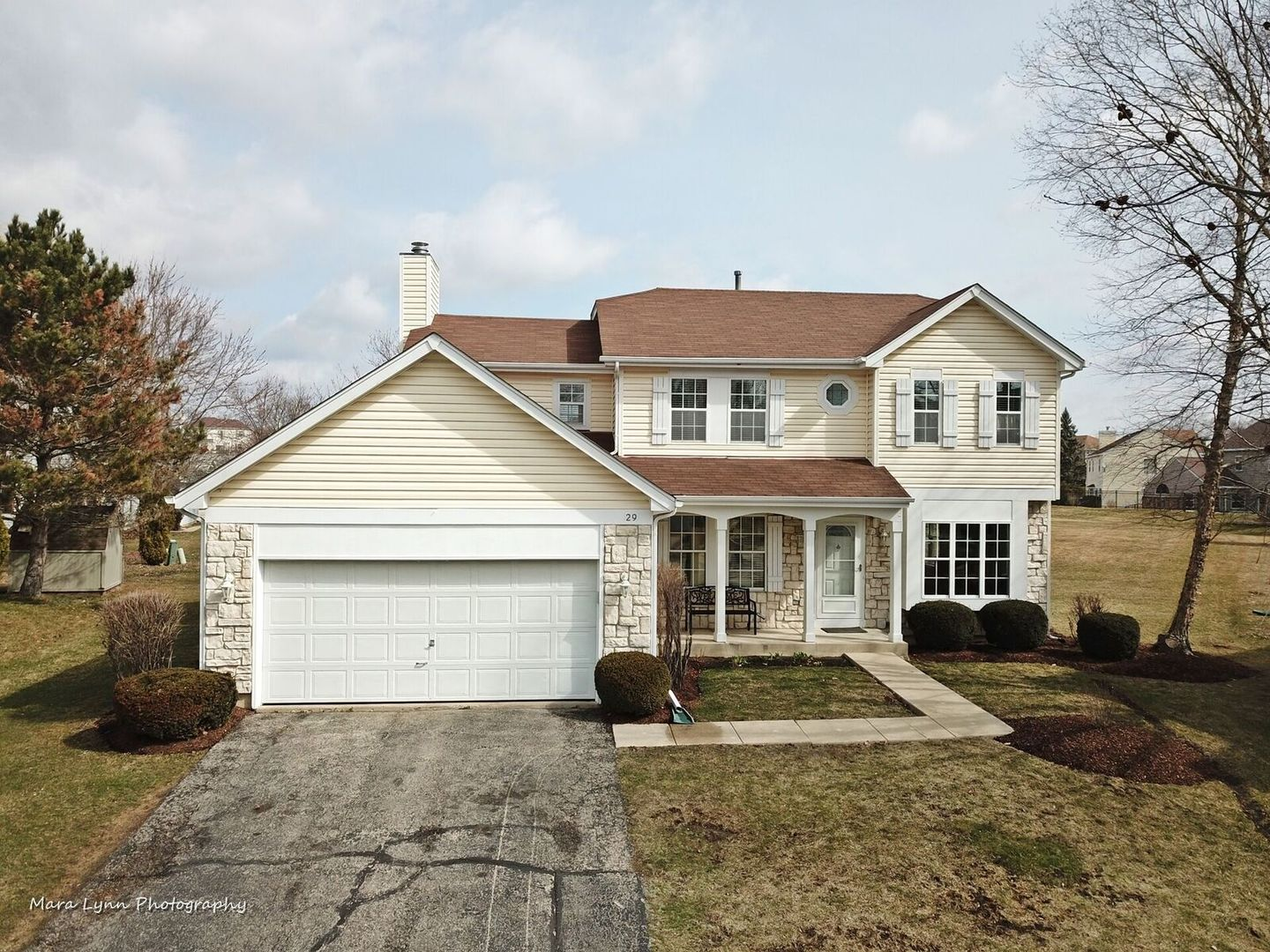 29 Mustang Court Geneva, St. Charles, Batavia, South Elgin, Elburn, Elgin, North Aurora, Aurora  Home Listings - The Cory Jones Team - RE/MAX Great American North Geneva, St. Charles, Batavia Real Estate Agent