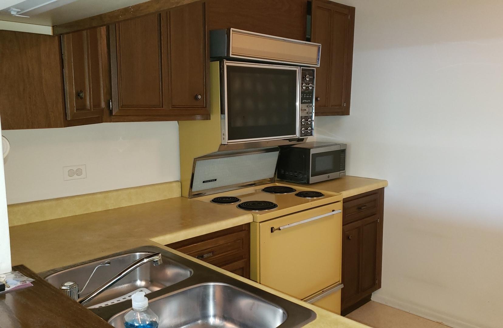1295 Sterling Unit Unit 216 ,Palatine, Illinois 60067