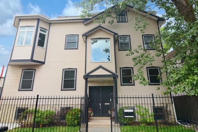 2260 N GREENVIEW Avenue, Chicago, Illinois 60614