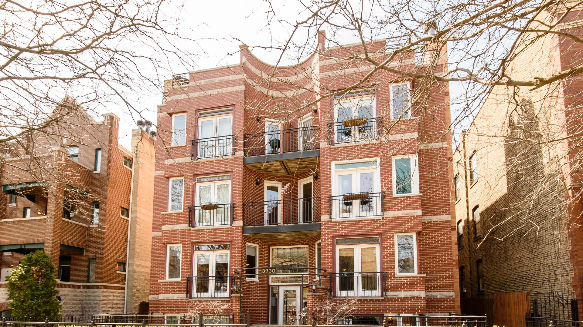 3930 North Southport Avenue, Chicago, IL 60613
