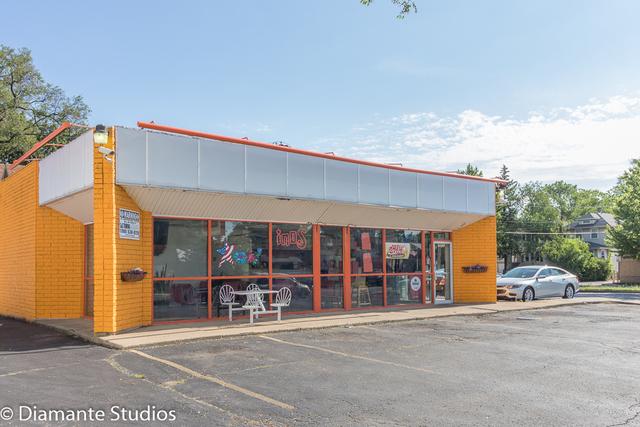7100 Roosevelt ,Oak Park, Illinois 60304
