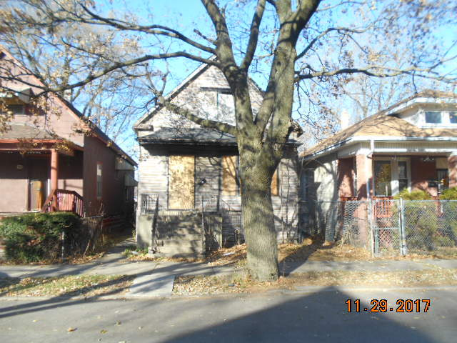 $9,900 - 3Br/2Ba -  for Sale in Chicago