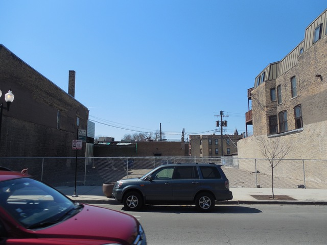4010 N Lincoln Avenue, Chicago, IL 60618