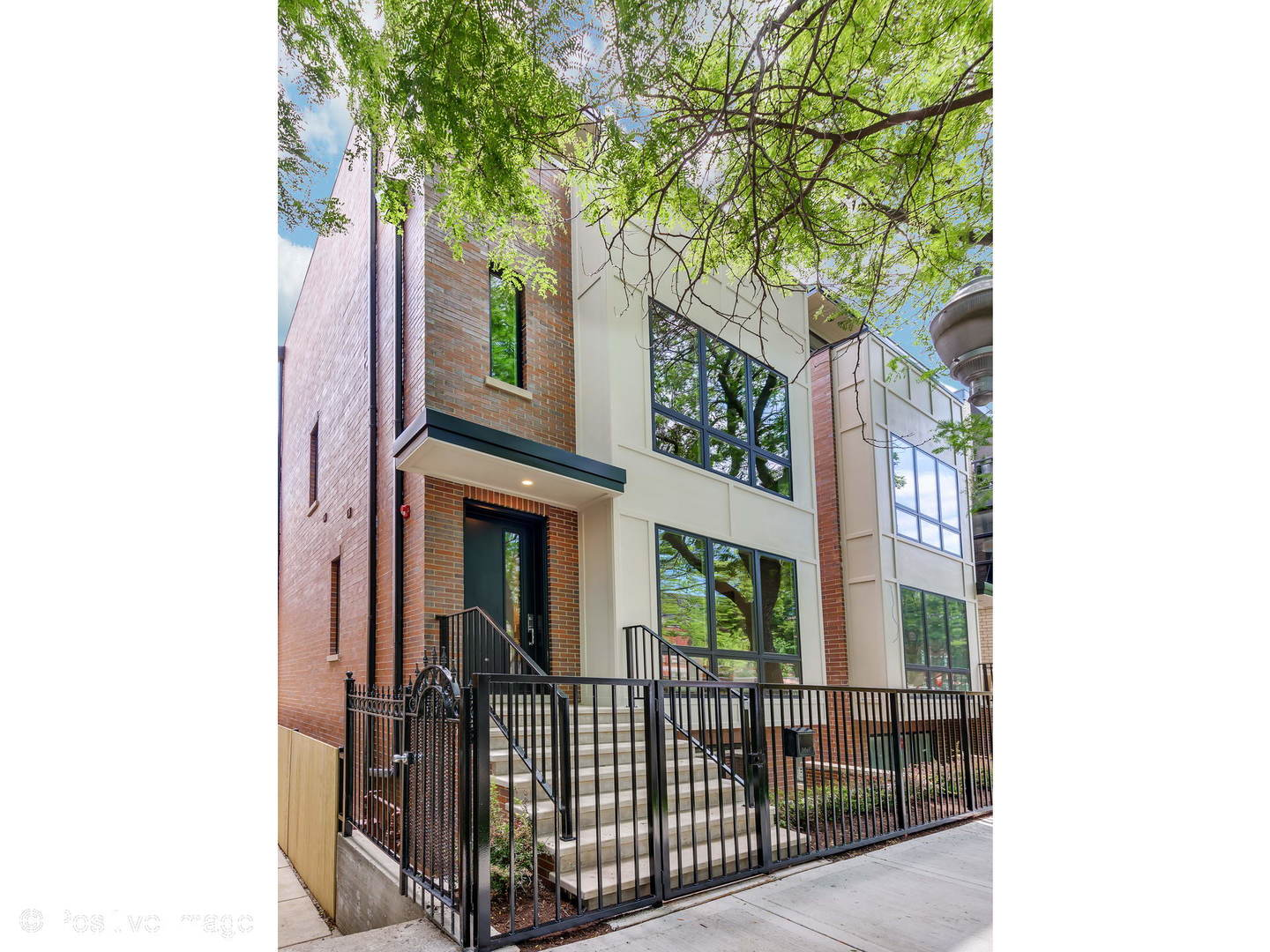 2225 WEST LYNDALE STREET, CHICAGO, IL 60647  Photo