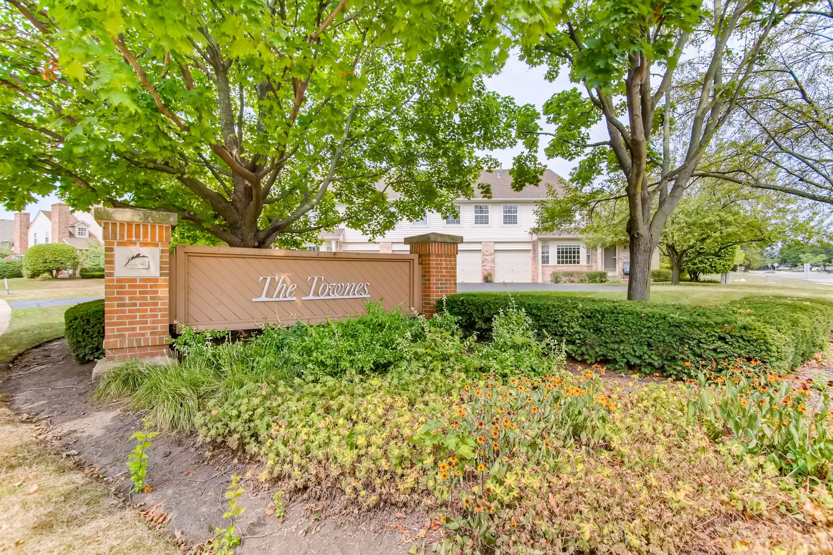 $223,100 - 3Br/3Ba -  for Sale in Townes Of Oakhurst, Aurora