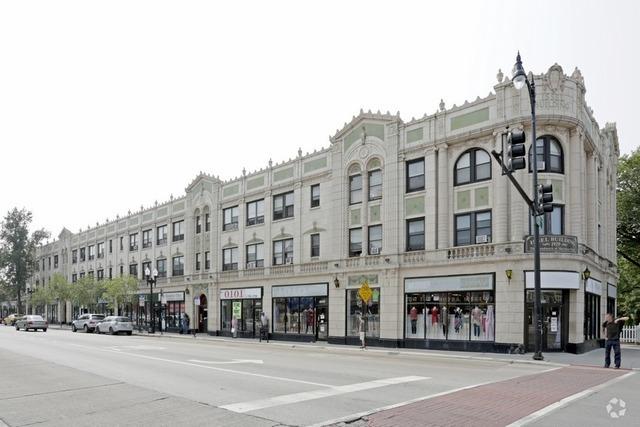 4546 Clark ,Chicago, Illinois 60640