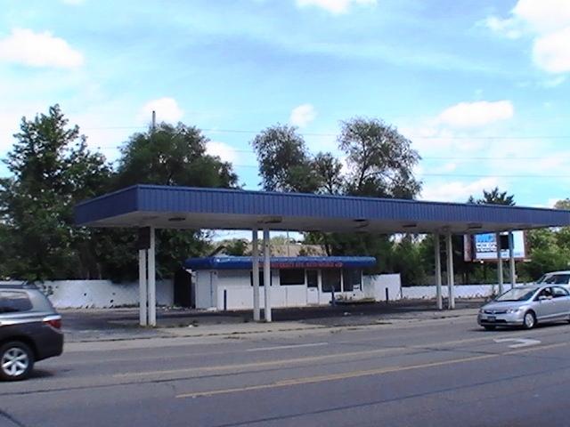 902 University, Urbana, Illinois 61801