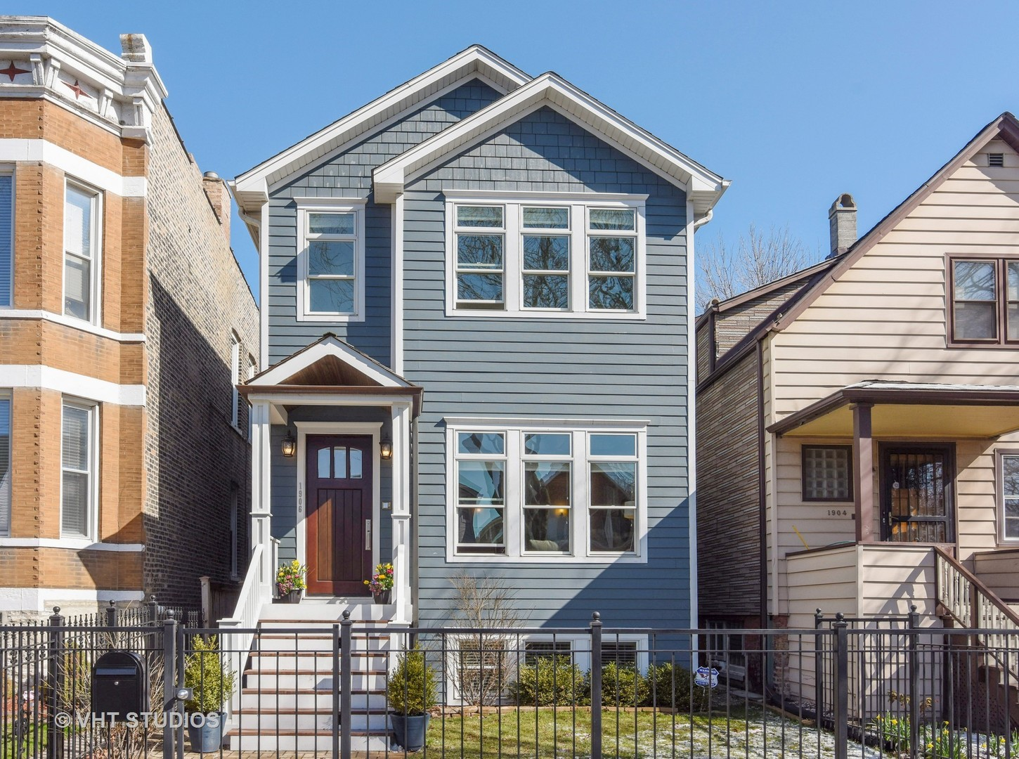1906 Nelson ,Chicago, Illinois 60657