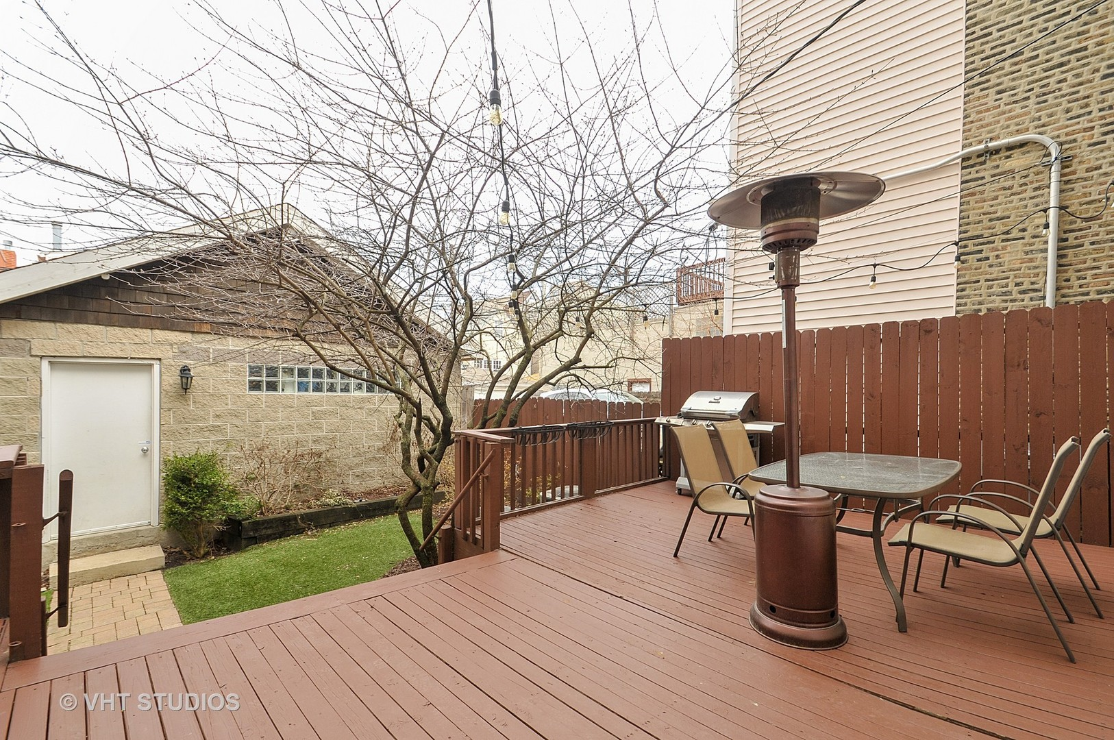 2224 WEST BELDEN AVENUE, CHICAGO, IL 60647  Photo