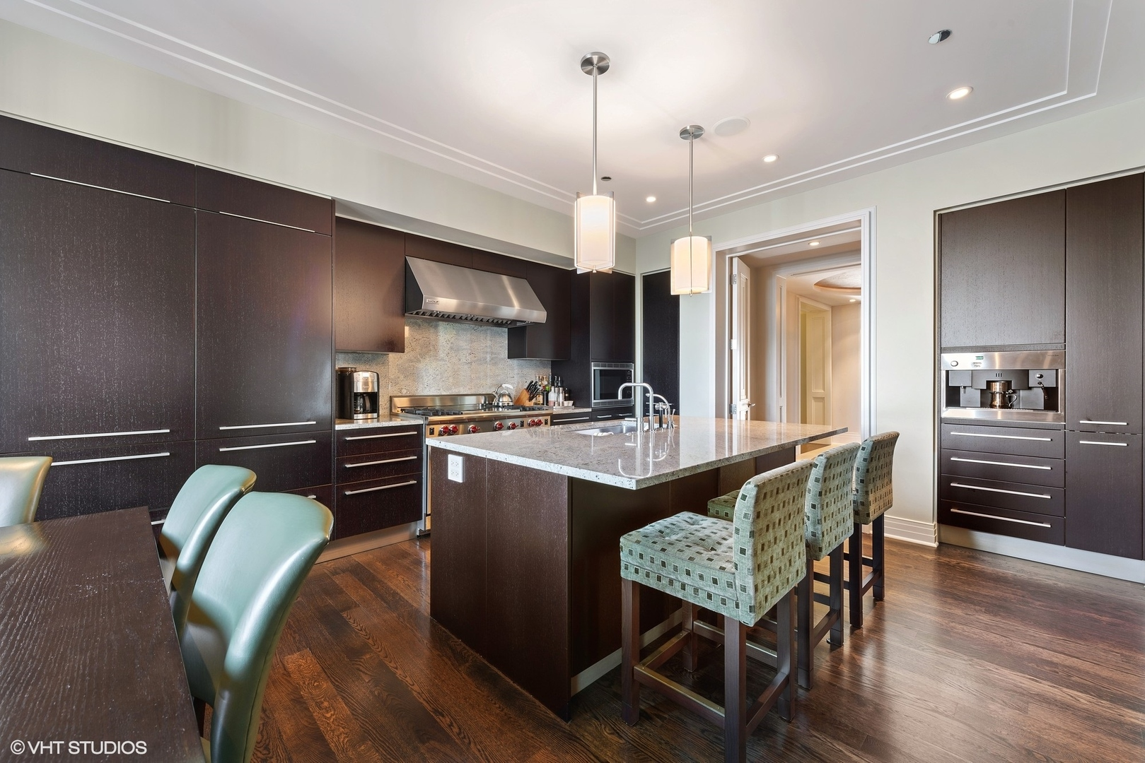 $6,850,000 - 3Br/4Ba -  for Sale in Chicago