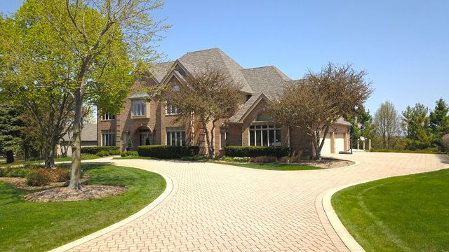 400 Boulder Drive, Lake In The Hills, IL 60156