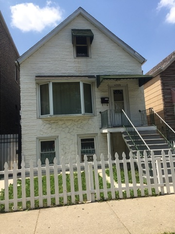 4328 Rockwell, Chicago, Illinois 60632