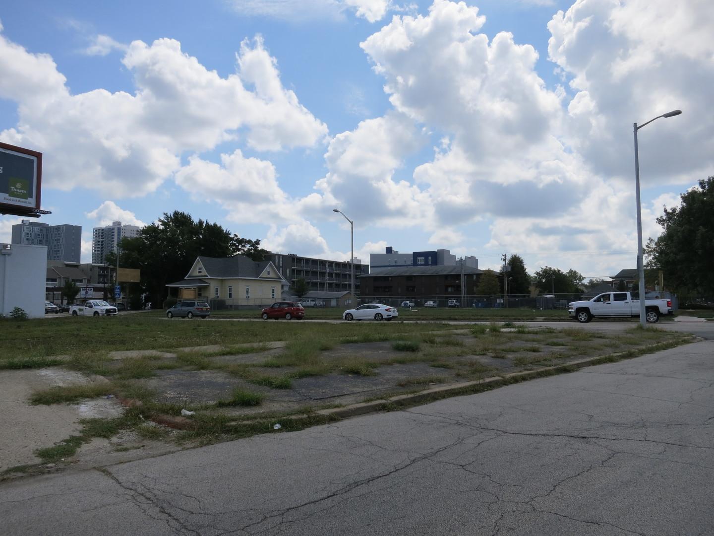 51 e. Springfield ,Champaign, Illinois 61820