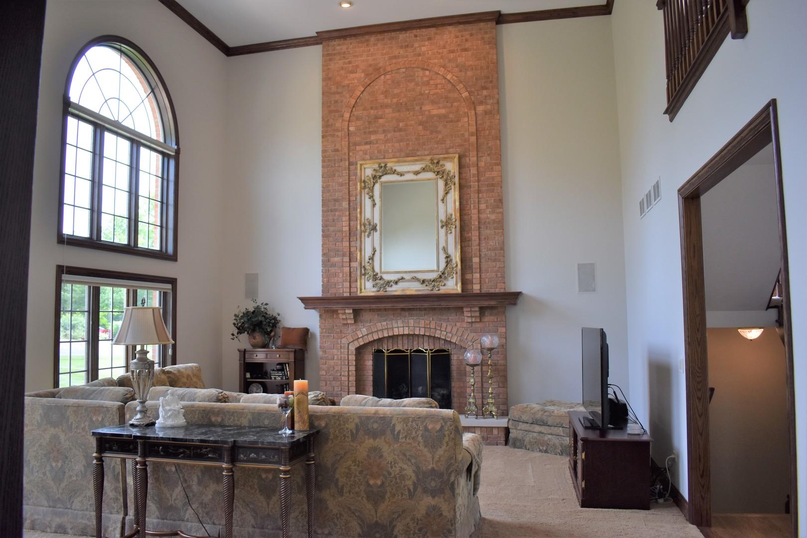 70 New Abbey ,Barrington, Illinois 60010