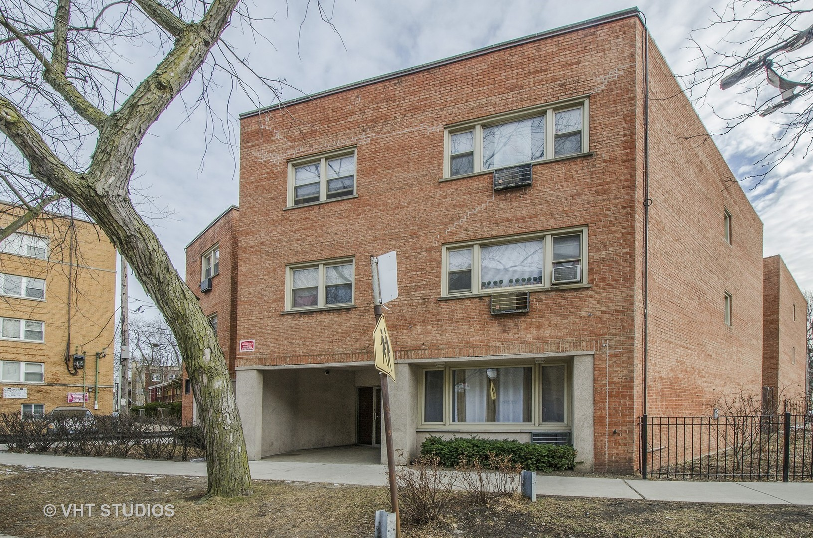 7319 North Rogers Avenue, Chicago, IL 60626