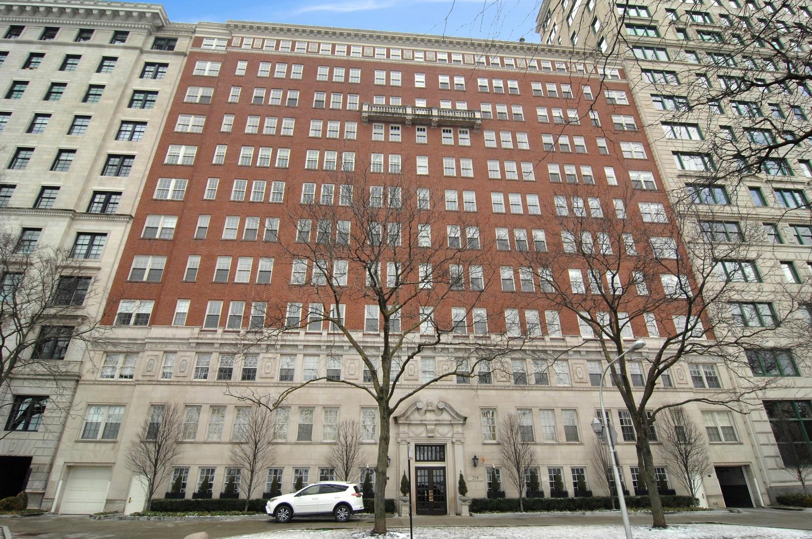 219 E LAKE SHORE Drive 7CD, Chicago, IL 60611