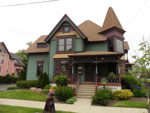 302 Main, Algonquin, Illinois 60102