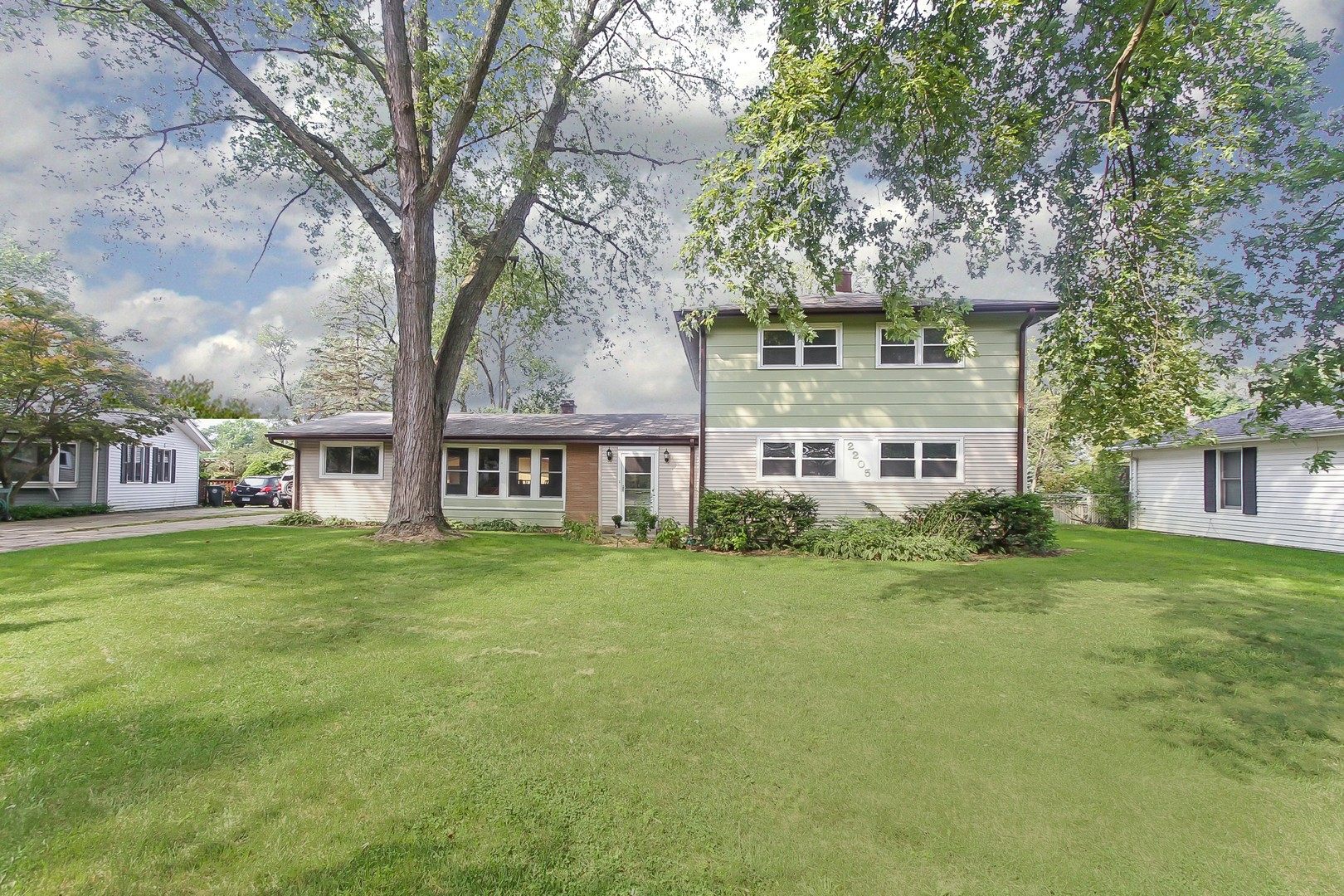 2205 Heron Court, ROLLING MEADOWS, IL 60008