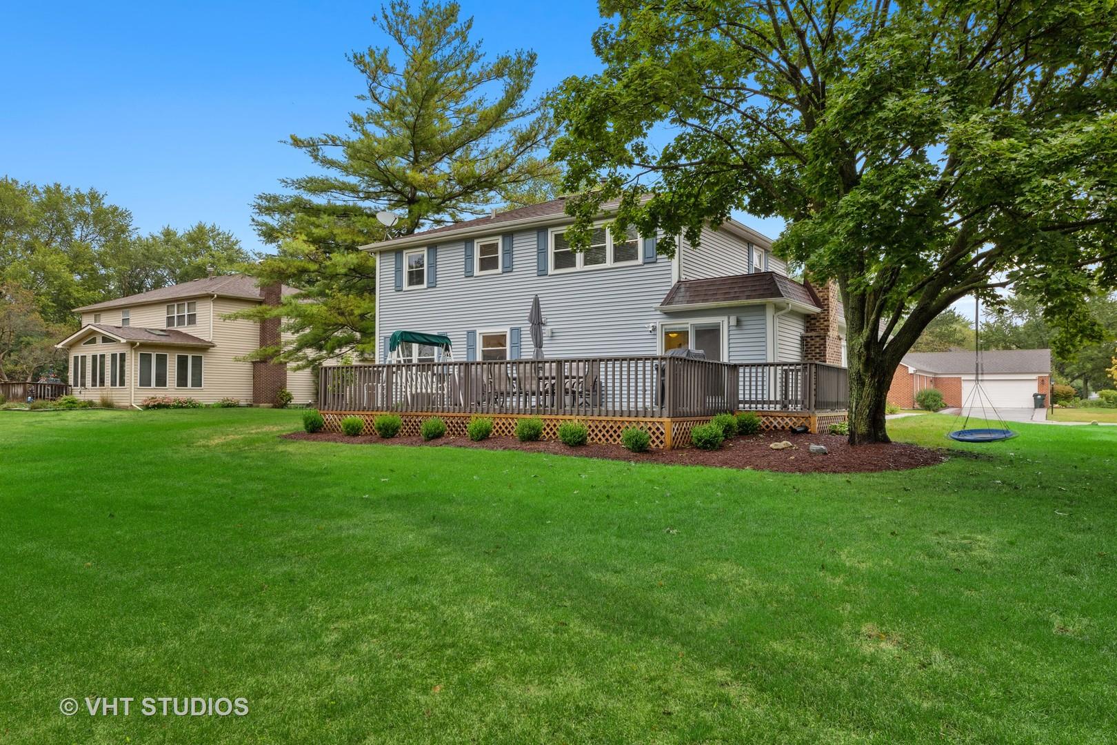 980 Williamsburg Park ,Barrington, Illinois 60010