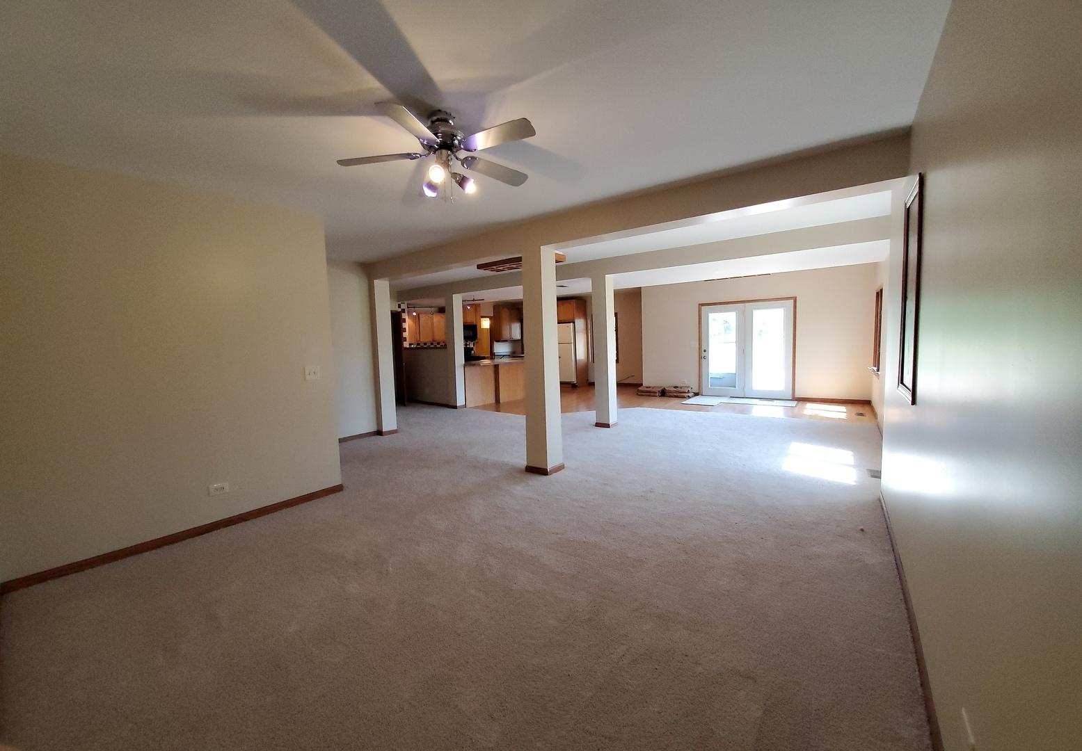 39w348 Grand ,Elgin, Illinois 60124