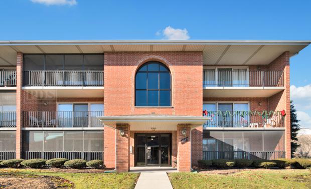 5033 Circle Unit Unit 102 ,Crestwood, Illinois 60418