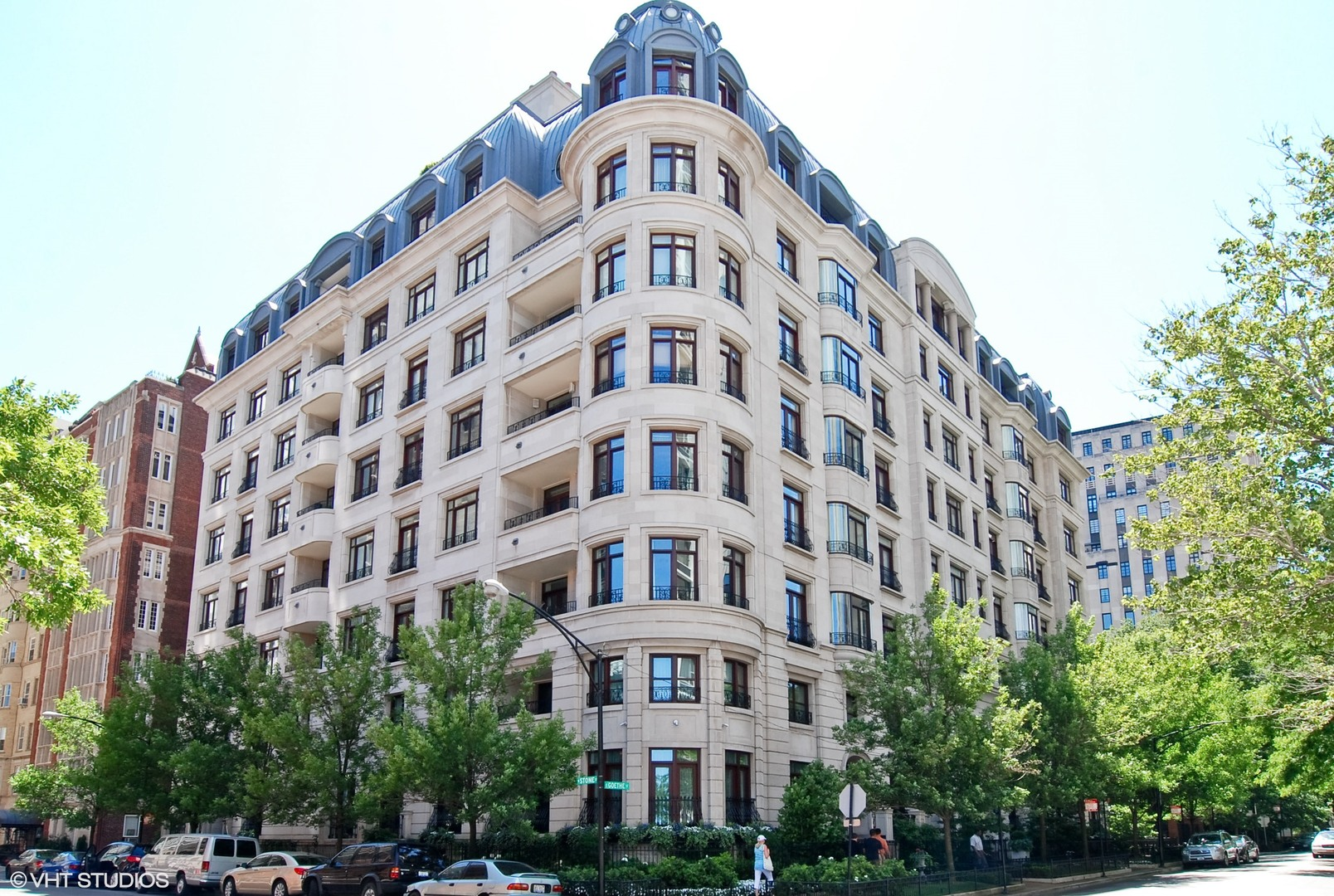 65 E GOETHE 8W, Chicago, IL 60610
