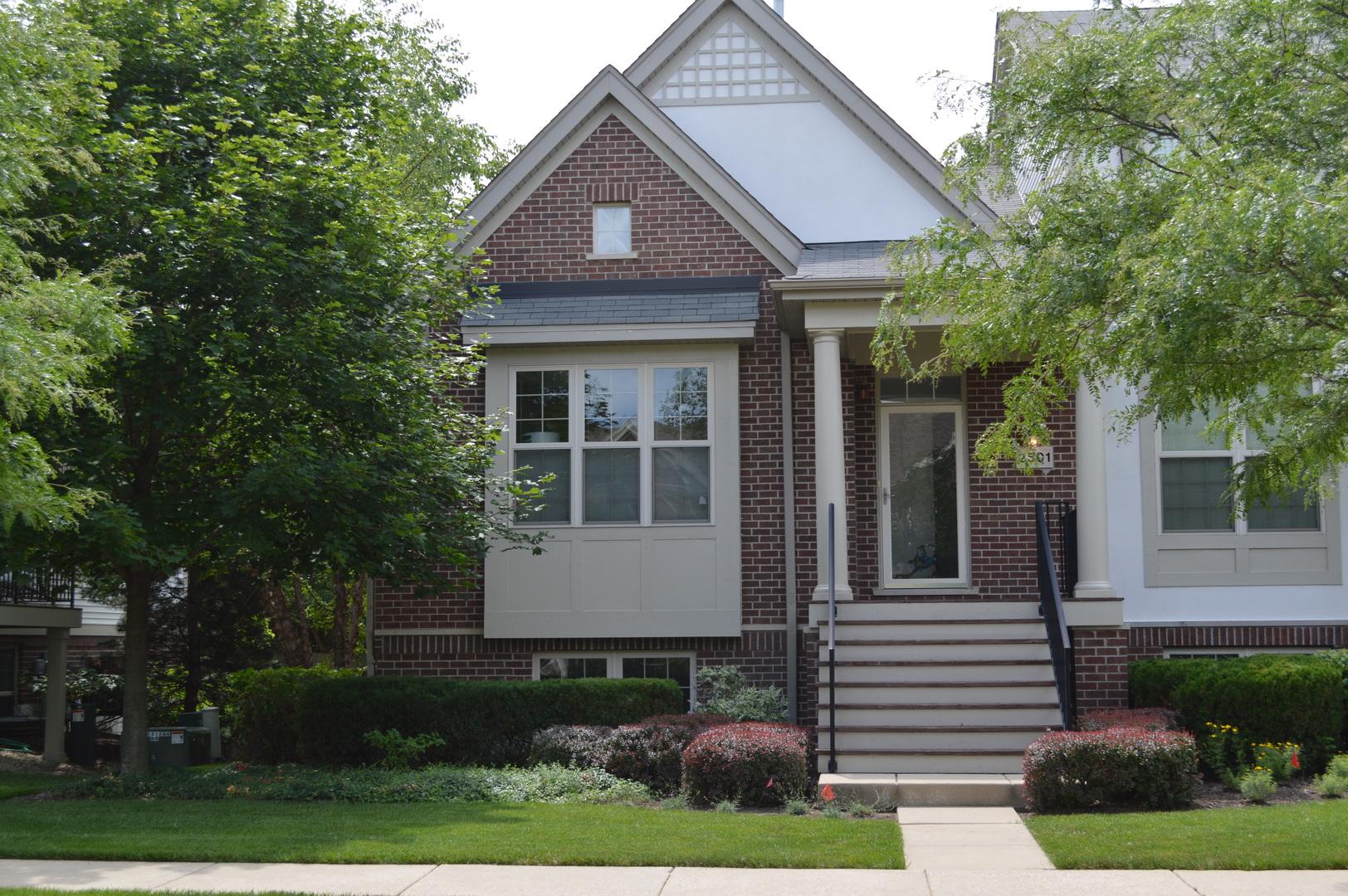 2501 Waterbury Lane, Buffalo Grove, IL 60089
