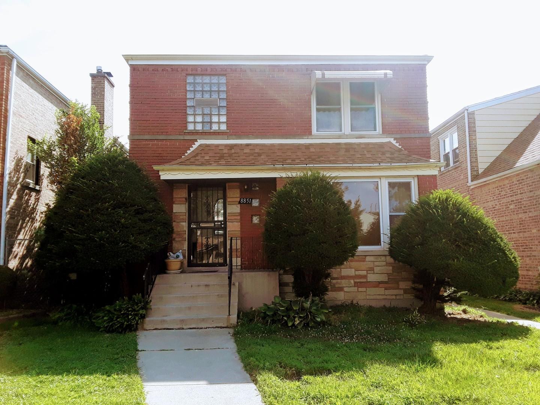 8851 Blackstone ,Chicago, Illinois 60619