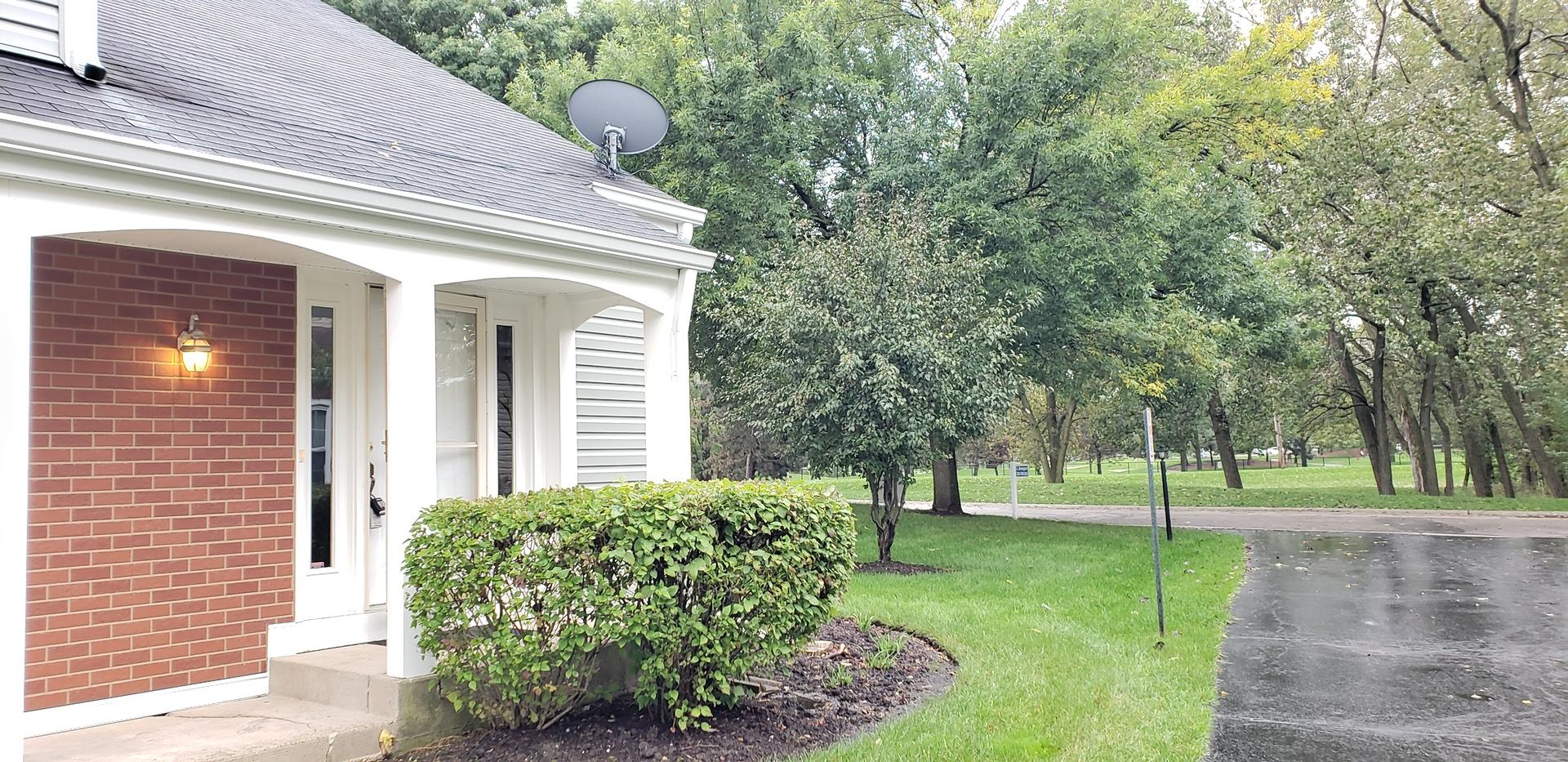 139 Stonington ,Palatine, Illinois 60074